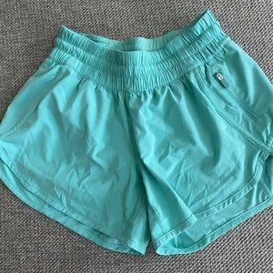 """Lululemon Tracker V 4"""" shorts size 6"""